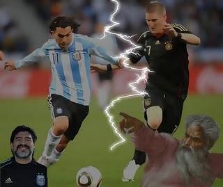 Argentinien am Boden zerstört und Maradona ohne Hilfe Gottes