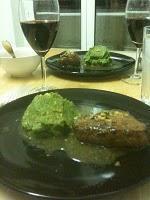Fleisch mit gelb und grün