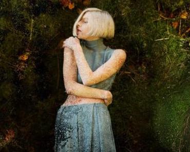 Videopremiere: Aurora – Running With The Wolves