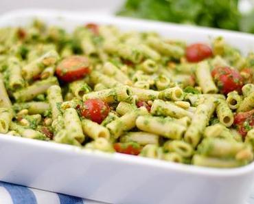 Dinkel-Makkaroni mit Pesto überbacken