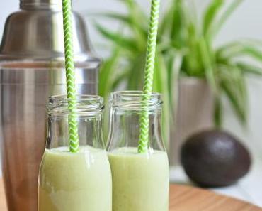 Erfrischung pur: Avocado-Kokos-Smoothie