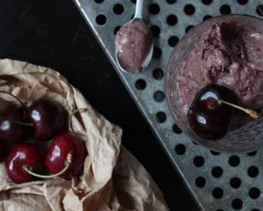 Was ist in Saison im Juli? Soviel ist sicher: Kirschen … und ein paar Wort zu rohem Kakao!