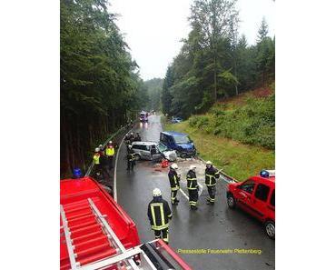 Schwerer Verkehrsunfall Plettenberg – Vier Verletzte