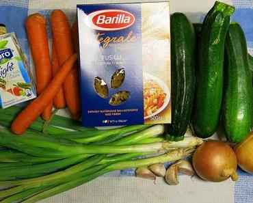 Zucchini/Möhren/Nudeln mit CurrySoße