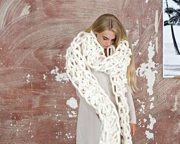 DIY: Einen MegaRiesenMaschen Schal Mit Stricknadeln In Übergrösse Stricken