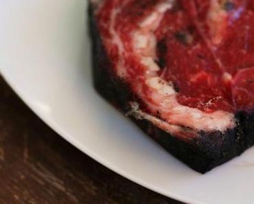 Asche Aged Beef: Rauchiges Rib-Eye im schwarzen Mantel