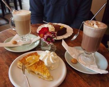 Kaffeepause im Café Blüte
