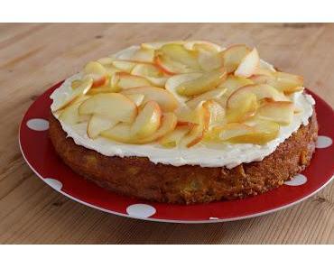 Kürbis-Apfel-Kuchen mit Frischkäsetopping