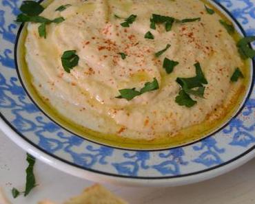 Cremiger Hummus mit Joghurt