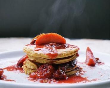 Apfel-Pflaumen Pancakes