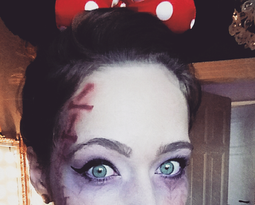 YOU´RE NEVER TOO OLD FOR MINNIE MOUSE - Inspiration für Halloween