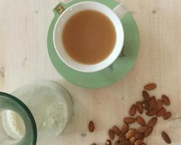 Vanille-Mandelmilch, Chai-Mandelmilch und andere Köstlichkeiten