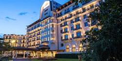 Das Hotel Royal – Evian Resort – eingebettet in wunderschöne Landschaft