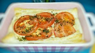 Abendbrotsnack: Tomate-Käse in Blätterteig