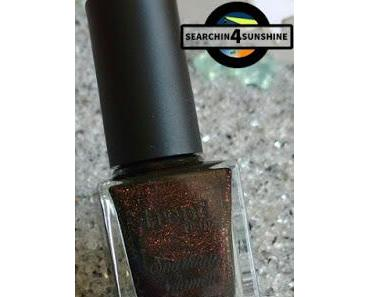 [Nails] trend IT UP Sparkling Glamour 050 mit essence Merry berry 01 i love my golden pumps