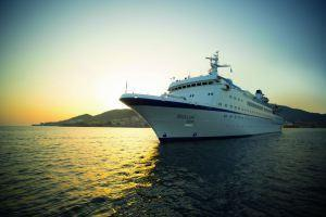 FTI Cruises bietet eine Klassik- & Jazz-Kreuzfahrt durchs Mittelmeer an. Im März 2016 erleben die Gäste auf der BERLIN Musiker der Bayerischen Philharmonie und Zeitklänge live.