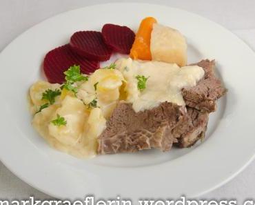 Nudelsuppe und Ochsenfleisch mit Meerrettichsauce, Rahmkartoffeln