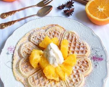 Wintergenuss: Zimt-Orangen-Waffel mit Schmandcrème