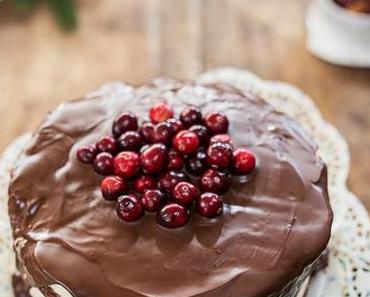 Naked Cake: Schokoladen Kuchen mit Glasur