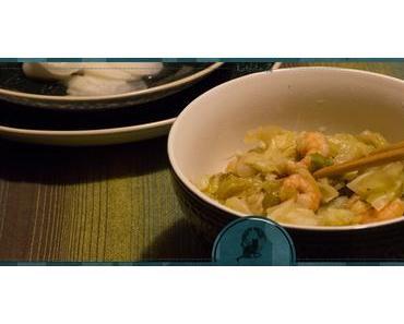 Asiatisches Weißkohlgemüse mit Garnelen