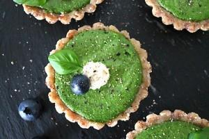 Raw & Green: Vegan Mini-Tartelettes