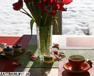 Das yogische Detox-Getränk: Goldene Milch in zweierlei Variation