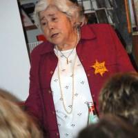 """""""Wir lieben alle"""" : Zeitzeugin Edith Bader-Devries erzählt von ihrer Zeit in Theresienstadt"""