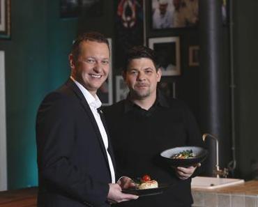 Fernsehkoch  Tim Mälzer kocht auf/für AIDAprima