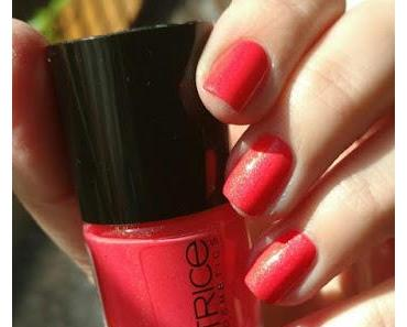 "[Nails] NailArt-Dienstag: ""Mädchenhaftes"" mit CATRICE 90 She Said Yes In Her Red Dress"