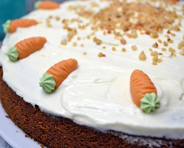 Süßes zum Buch #12 | Von Karottenkuchen, Märzhasen und Nicht-Geburtstagen
