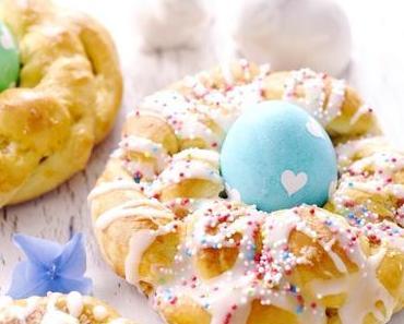 Bunte Osterkringel mit Quark – DIY Herzchen Eierfärben