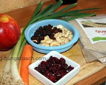 Quinoa-Salat mit Apfel und Cranberries