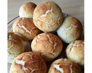 Dutch Crunch Bread (Tigerbrötchen)