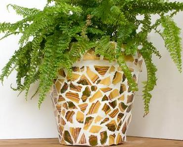 Upcycling | Blumentopf mit Mosaik aus alten Fliesen