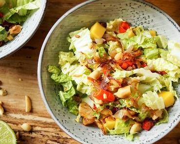 Mango-Chinakohl-Salat mit Kokosnuss
