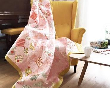 Gequiltete Patchworkdecke – meine neue rosafarbene Tagesdecke