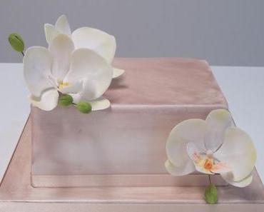 Hochzeitstorte mit Orchideen