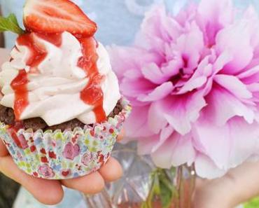 Süsse Freudespender! Erdbeer-Brownie-Cupcakes