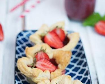 Erdbeeren im Blätterteigmantel
