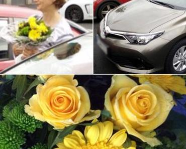 Friday-Flowerday: Ein Auto zum Strauß – oder – Gedanken über das Bloggen