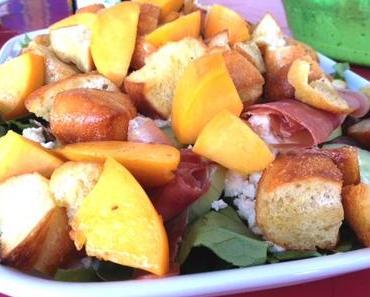 Now we have the salad - Panzanella mit Pfirsich und Serranoschinken