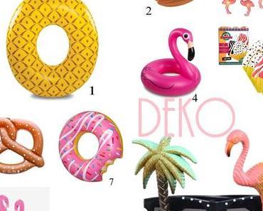 Flamingos & Pink Donuts