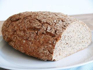 Vollkorn-Leinsamen-Brot