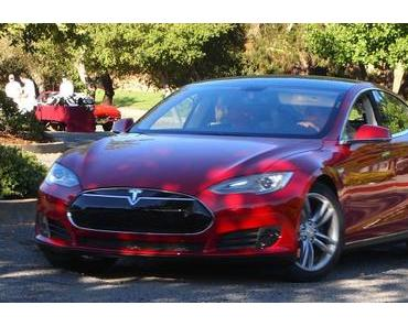 Tesla Carsharing Service