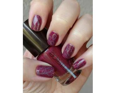 [Nails] Lust und Laune Lack: herbstlicher Lack mit CATRICE VIENNART C04 ARTful Red