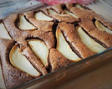 Saftiger Schoko-Mohn-Kuchen mit Birnen