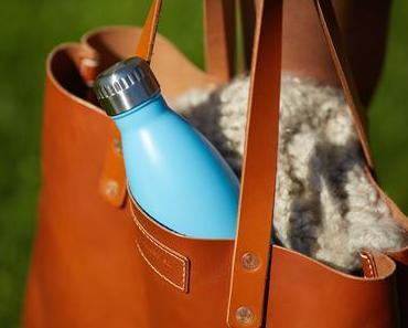 Die FLSK Trinkflasche mit 18-stündiger Kühl-/Wärmefunktion - eine umweltfreundliche Alternative zu Plastik
