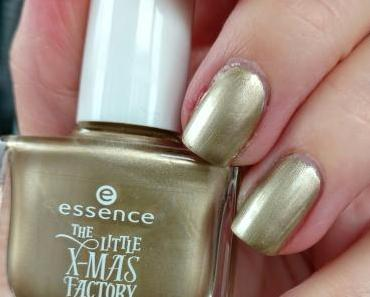 [Nails] essence THE LITTLE X-MAS FACTORY 01 i still believe in santa claus