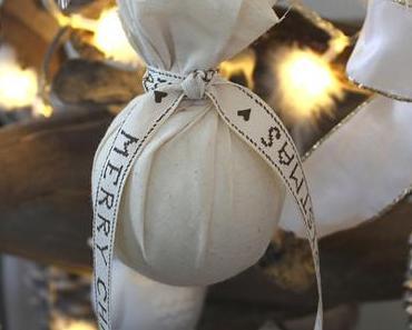 Christbaumkugel aus Stoff