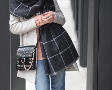 Wohlfühl-Look mit asymmetrischer Jeans, Chloé Faye Look-a-like und Fraas XL-Schal